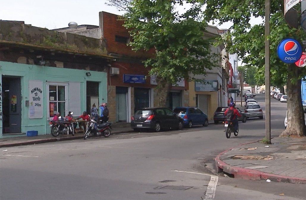 Vecinos denuncian ruidos molestos en la esquina de Barrios Amorín y Miguelete
