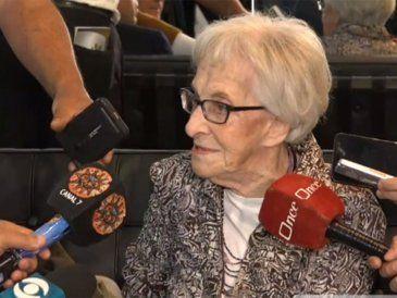 Me alegro que me hayan dado el premio tan tarde, dijo Ida Vitale