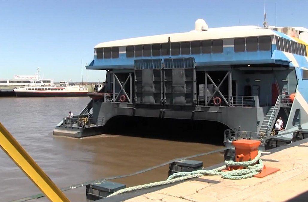 Cancelan viajes por barco y avión entre Montevideo y Buenos Aires del 29/11 al 1/12