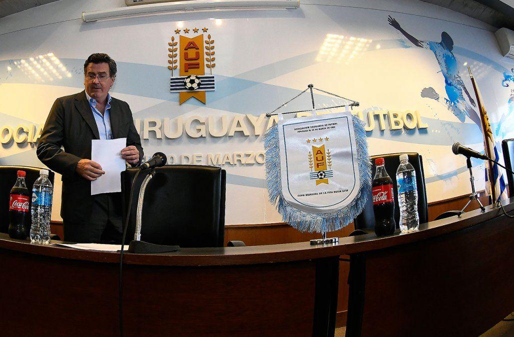 Clubes acordaron cambios al estatuto y Bordaberry negocia el visto bueno de FIFA