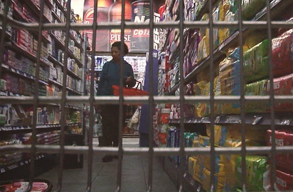 Ventas en supermercados cayeron 4,5% en setiembre; preocupa baja en Alimentos