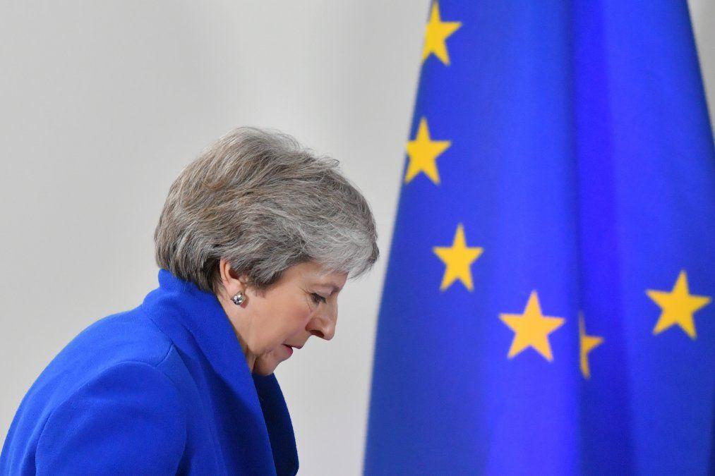Unión Europea sella acuerdo para separarse de Reino Unido