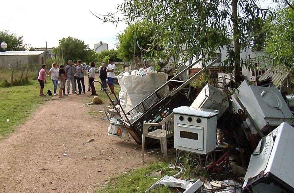 Vecinos de Verdisol denuncian falta de respuesta de IMM y juntan fondos para obras