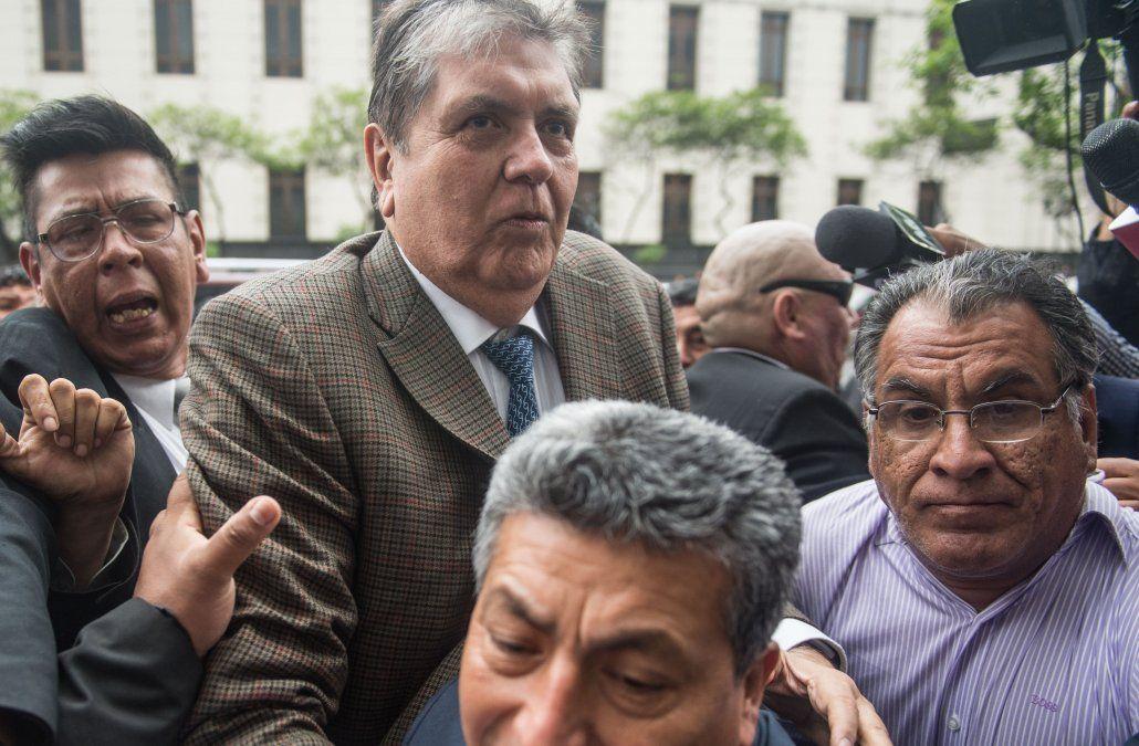 Vázquez analizará en términos jurídicos el asilo pedido por Alan García