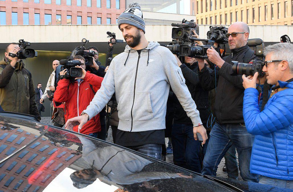 Multa de 48.000 euros para Gerard Piqué por conducir sin licencia válida