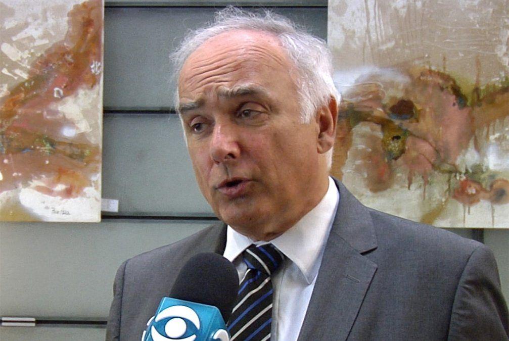 Gobierno violó derecho a la intimidad, según el constitucionalista Martín Risso