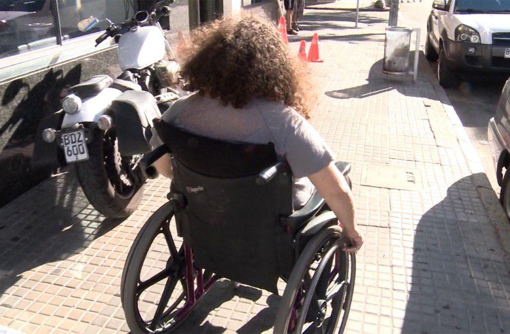 Montevideo más accesible: intérprete de señas, semáforos sonoros y playas con sillas anfibias
