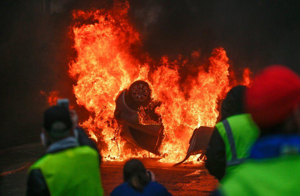Violencia y disturbios en París en nueva protesta contra Macron deja un centenar de heridos