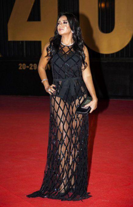 Una actriz egipcia fue procesada por llevar un vestido transparente