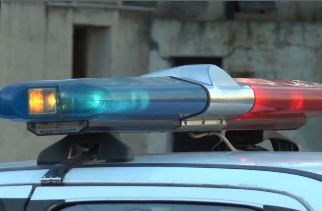 Sin mediar palabra, balearon a un policía en el pecho en Punta de Rieles
