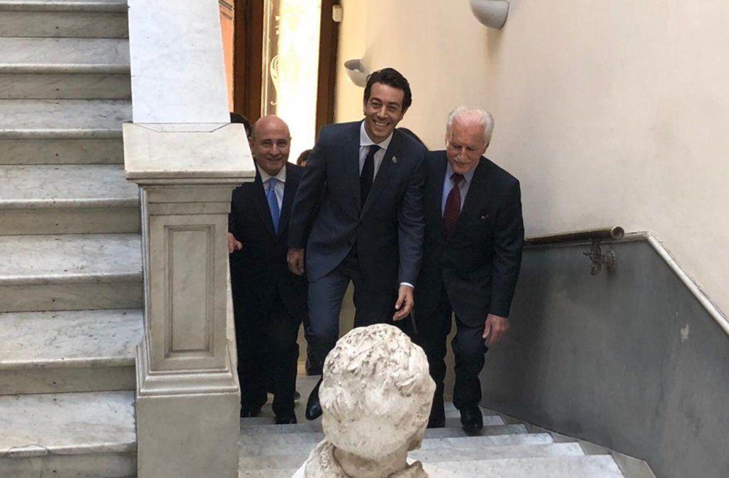 Sartori presentó su precandidatura a la Presidencia en la casa del Partido Nacional
