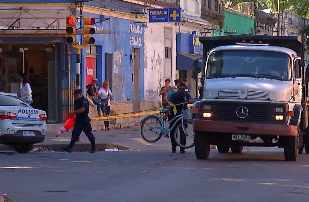 Una mujer murió atropellada por un camión cuando circulaba en bicicleta