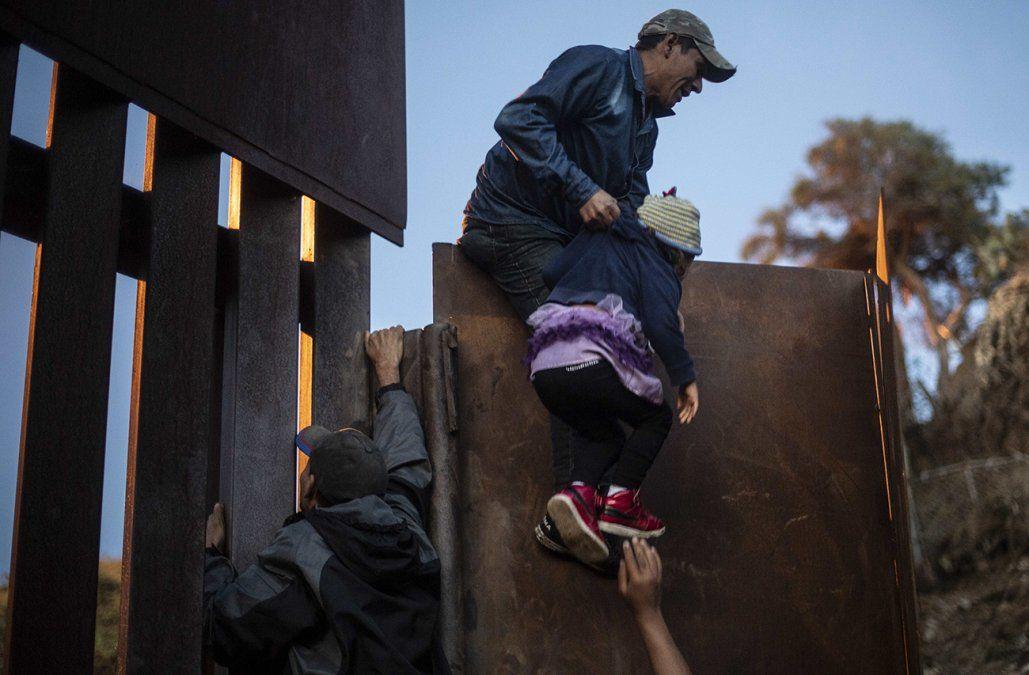 Murió deshidratada niña migrante guatemalteca de 7 años detenida en EE.UU.