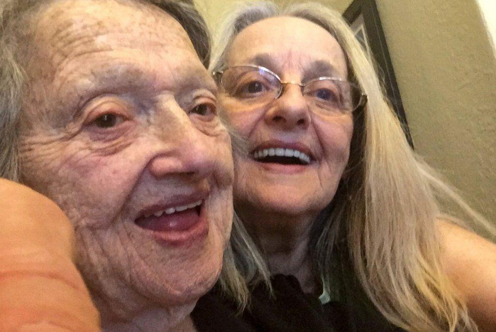 Una mujer se reúne con su hija que creía muerta hace 69 años