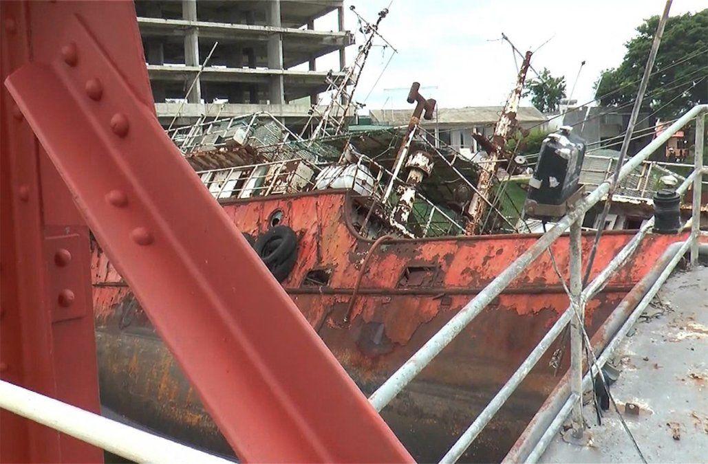 MTOP demanda a dueños del astillero y de los barcos por daños al puente de Carmelo