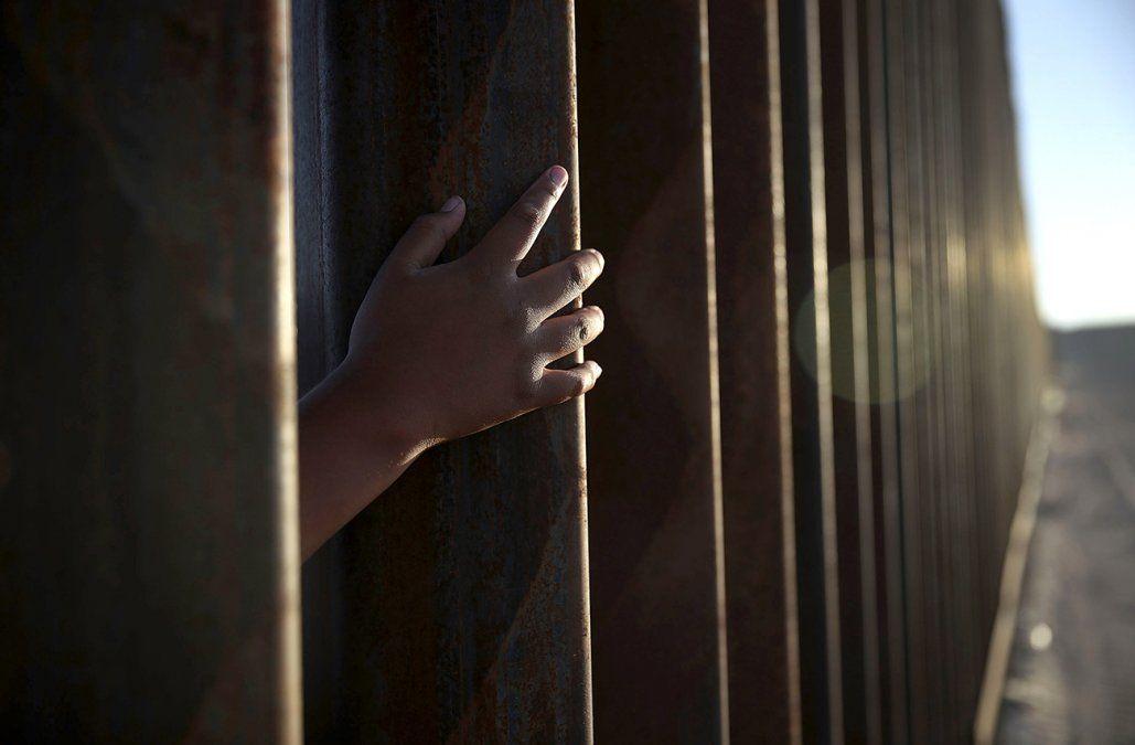 Segundo niño migrante muere en la frontera de EE.UU. bajo custodia policial