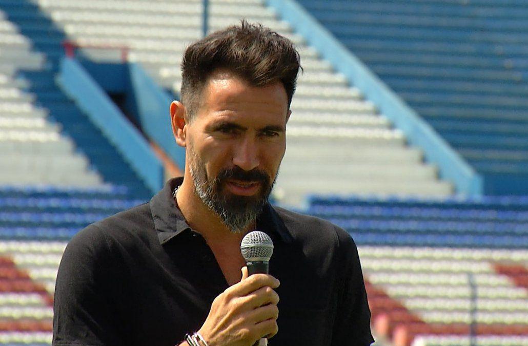 El argentino Eduardo Domínguez fue presentado como nuevo DT de Nacional