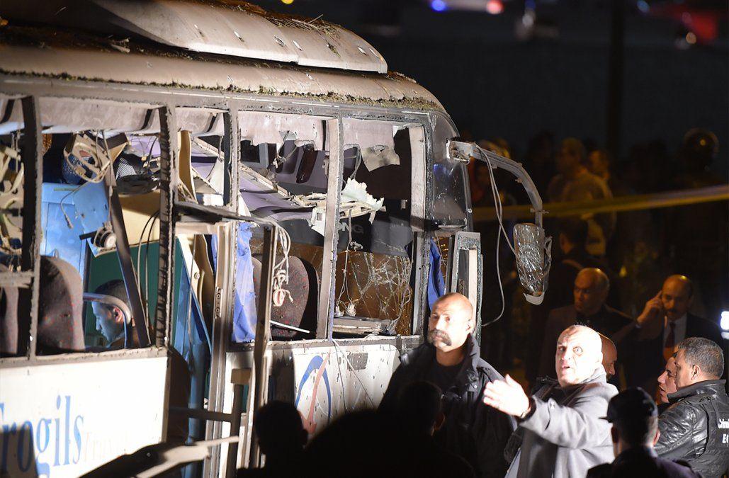 Al menos tres muertos y 10 heridos en ataque contra un bus turístico en Egipto