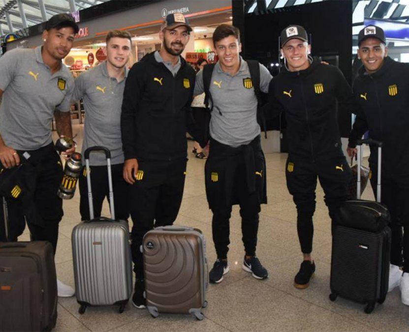 Peñarol se fue a Miami con 24 futbolistas; Viatri no viajó con la delegación