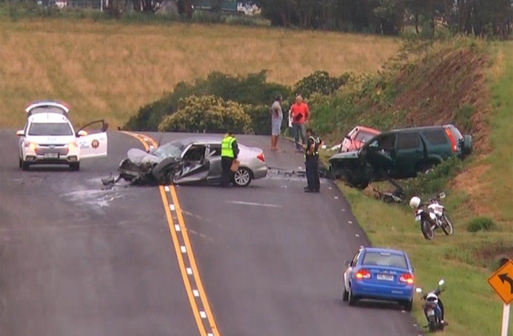 Grave accidente múltiple en ruta 1 deja varias personas con heridas de entidad
