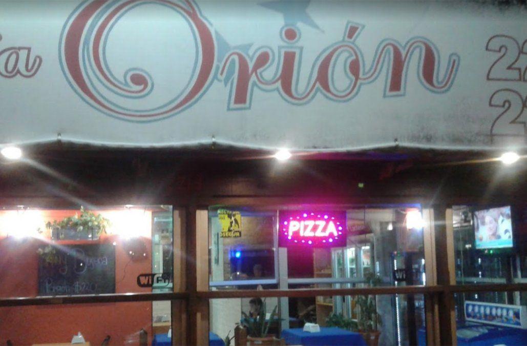 El bar atacado en la noche del jueves. Policías estaban cenando en el lugar y resultaron heridos