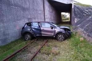 El juvenil Nicolás Schiapacasse tuvo un accidente: su vehículo cayó por un terraplén