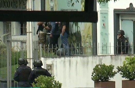 Liberaron a los rehenes y se entregó el hombre armado que los mantuvo retenidos