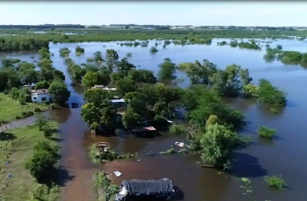 Hasta ahora hay 878 personas desplazadas por las crecidas de ríos y arroyos