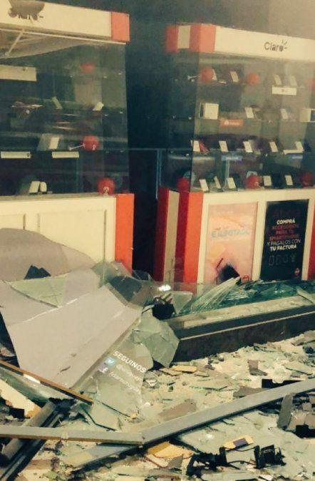 Explotan cajero en Punta Carretas Shopping: un delincuente muerto y uno herido