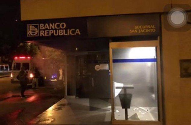 Muere delincuente tras explotar cajero automático en Uruguay