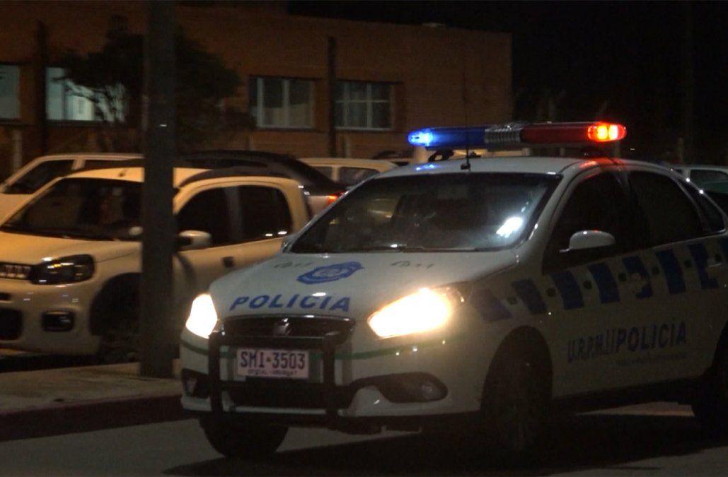 Destrozos y amenazas: entró con una lanza y una bomba molotov al Hospital de Maldonado