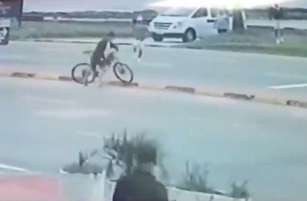 Fue detenido al intentar robar una bicicleta; todo quedó grabado pero la fiscal lo dejó libre