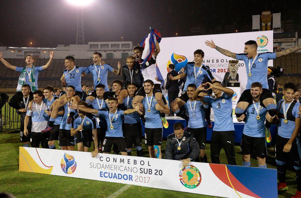 Uruguay perdió 0-1 en su debut ante Perú en el Sudamericano Sub 20