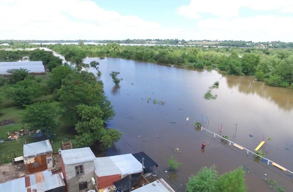 Sube aún más la cantidad de desplazados por las inundaciones y ahora son más de 5.000