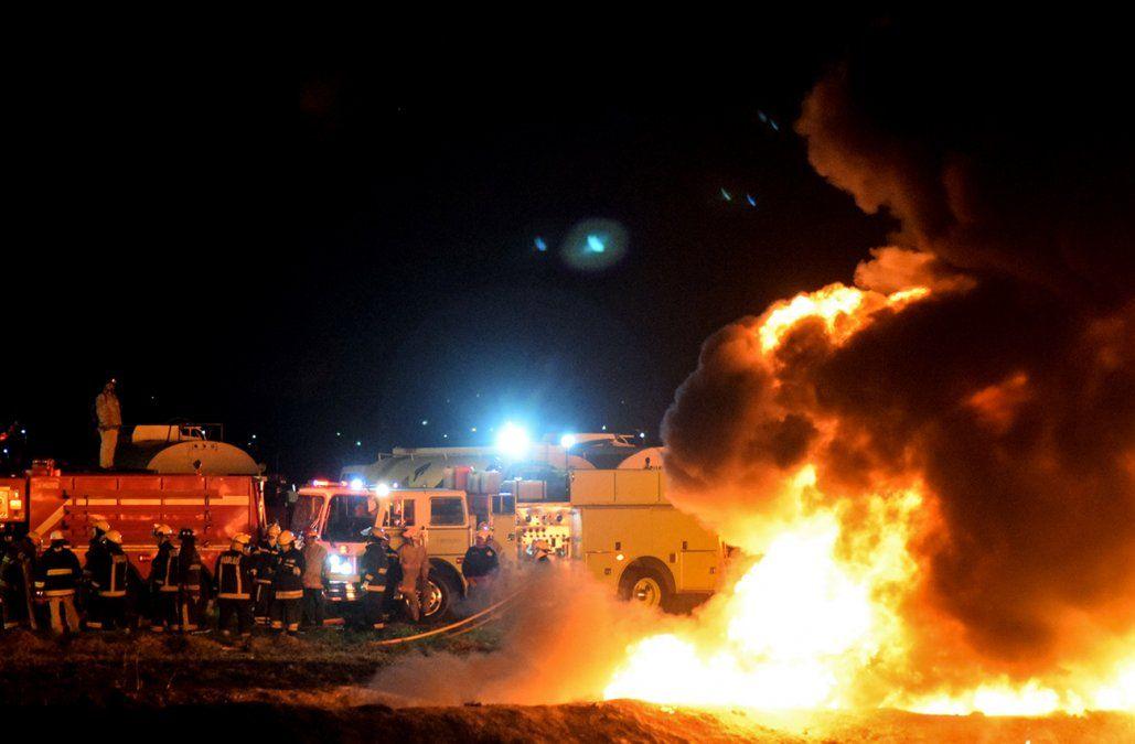 Al menos 21 muertos y 71 heridos por incendio en ducto de combustible en México