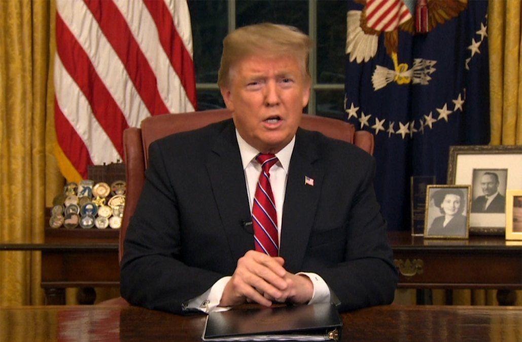 Trump ofrece protección a inmigrantes en EE.UU. a cambio de fondos para muro fronterizo