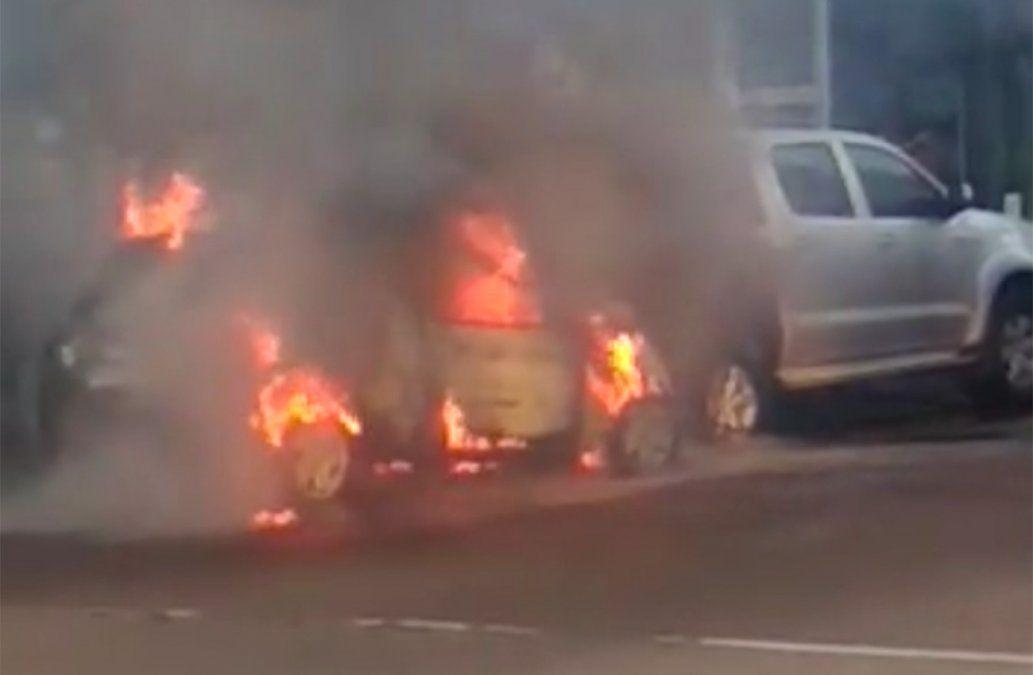 Senador Daniel Bianchi chocó a tres vehículos y terminó con su auto prendido fuego