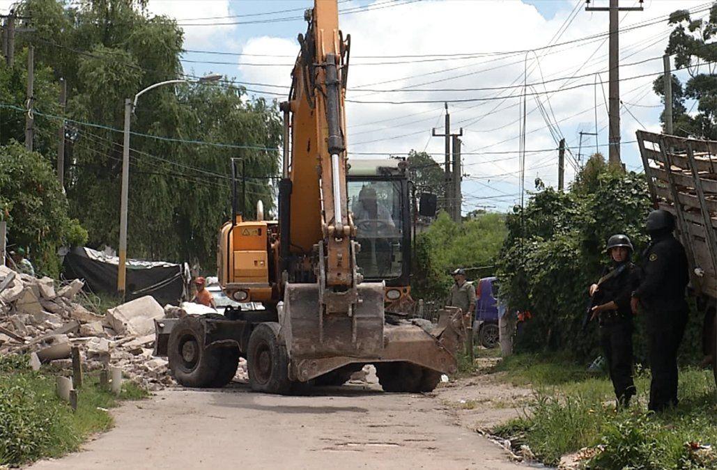 Operativo en La Cruz de Carrasco termina con dos imputados y viviendas demolidas