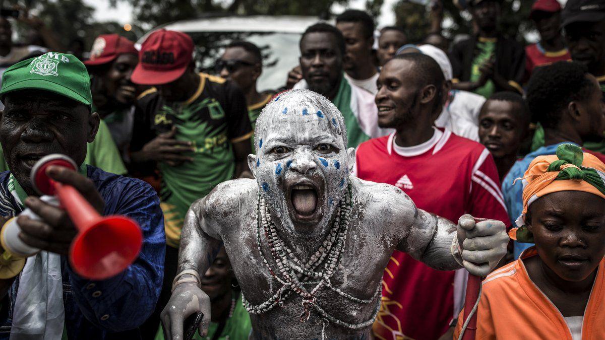 Simpatizantes del recién electo presidente de la República Democrática del Congo, Felix Tshisekedi, celebran mientras el llega para inaugurar su mandato.