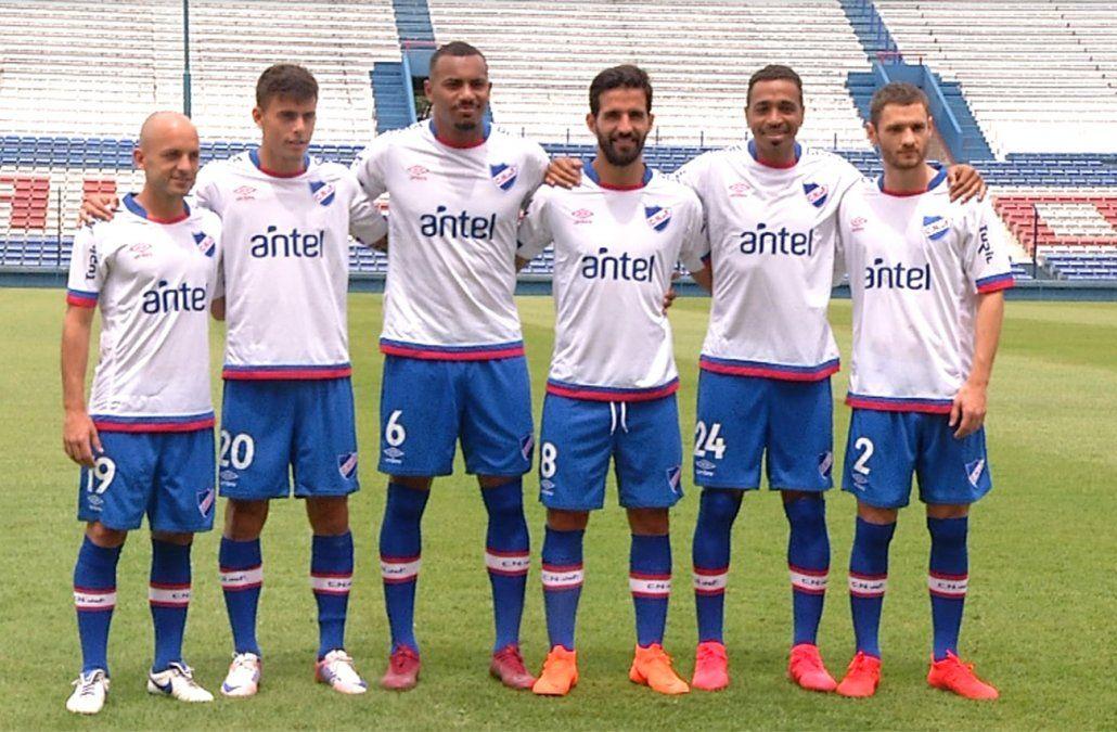 Nacional oficializó la incorporación de seis jugadores