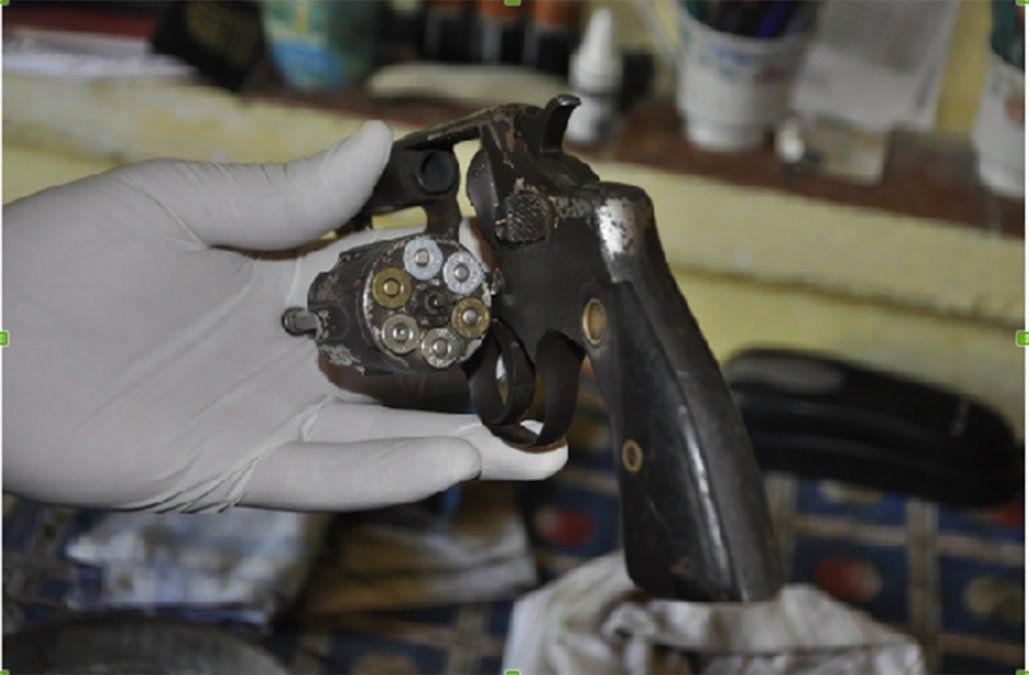 Foto: Arma incautada al detenido de 22 años.