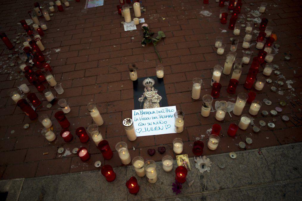 Entierran en España a Julen, el niño que murió tras caer en un pozo