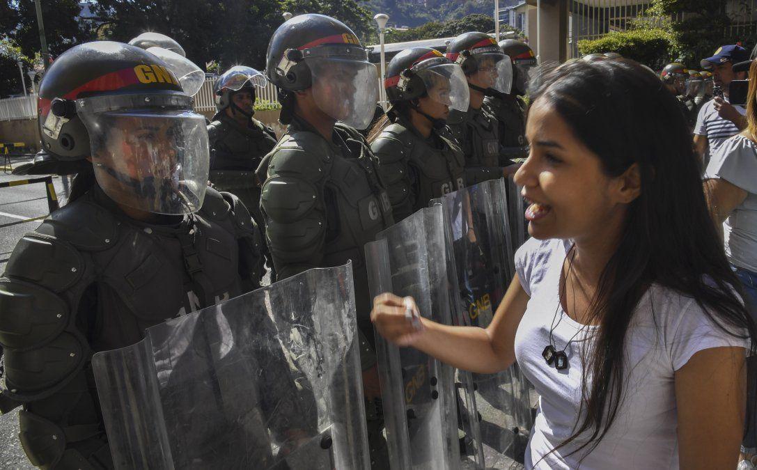 Guaidó aumenta presión con amnistía mientras Maduro rechaza ultimátum europeo