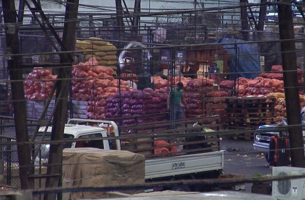 Precios de algunas frutas y verduras aumentaron entre 10% y 15% por las inundaciones