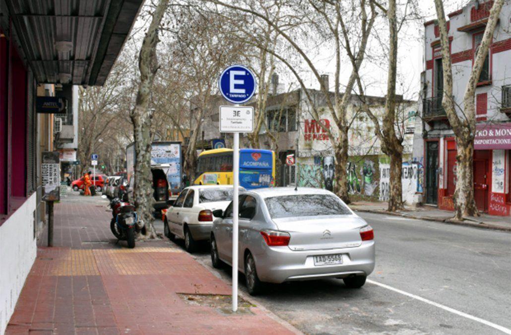 Aumenta el estacionamiento tarifado en Montevideo a partir de este viernes