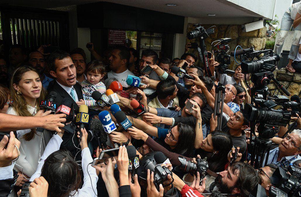 Guaidó respondió a Vázquez que solo negociará por cese de usurpación y elecciones libres