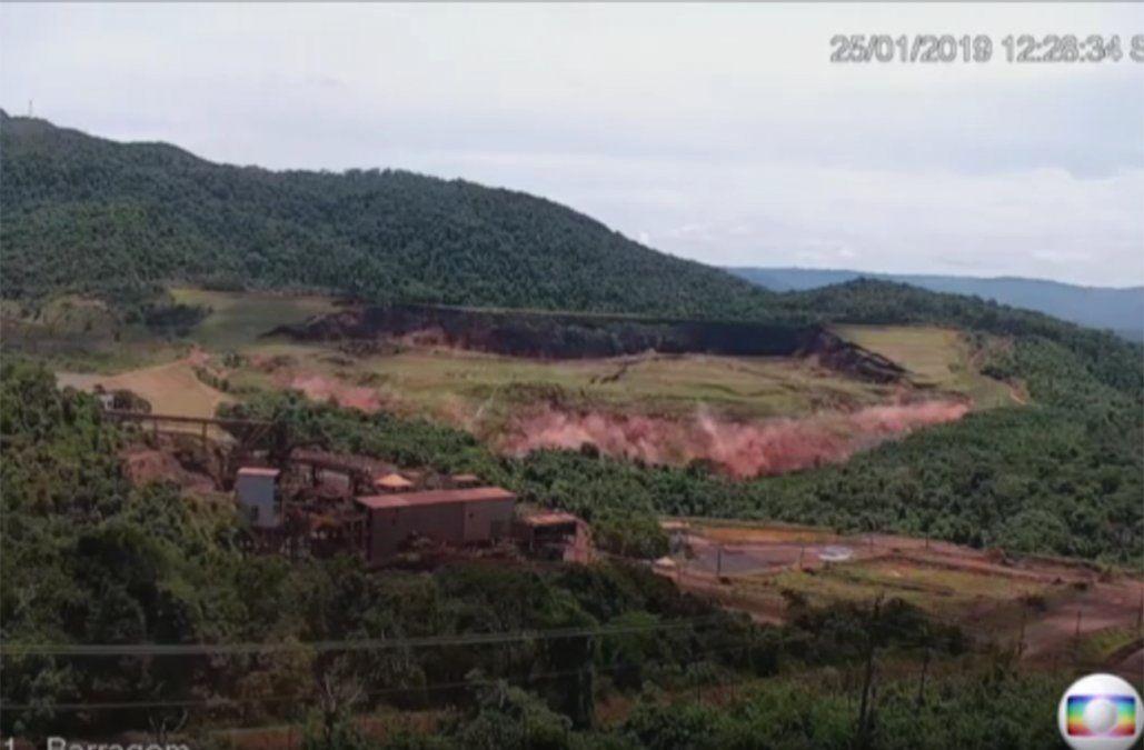 Difunden el momento exacto del derrumbe del dique minero en Brasil