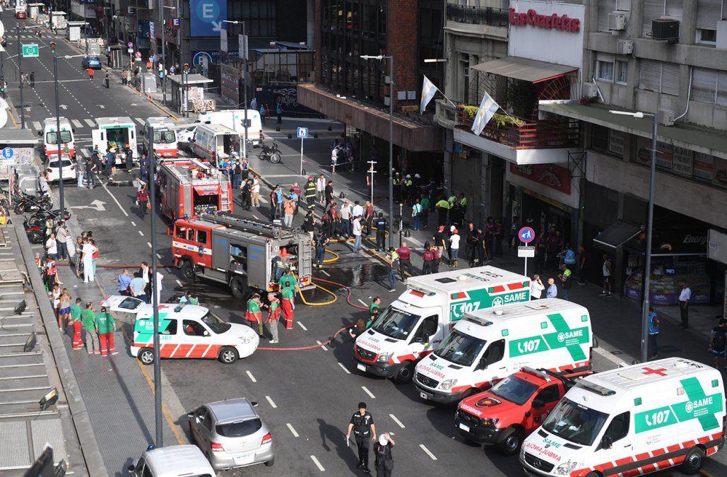 Incendio en un hotel dejó al menos dos muertos y más de 50 heridos en Buenos Aires