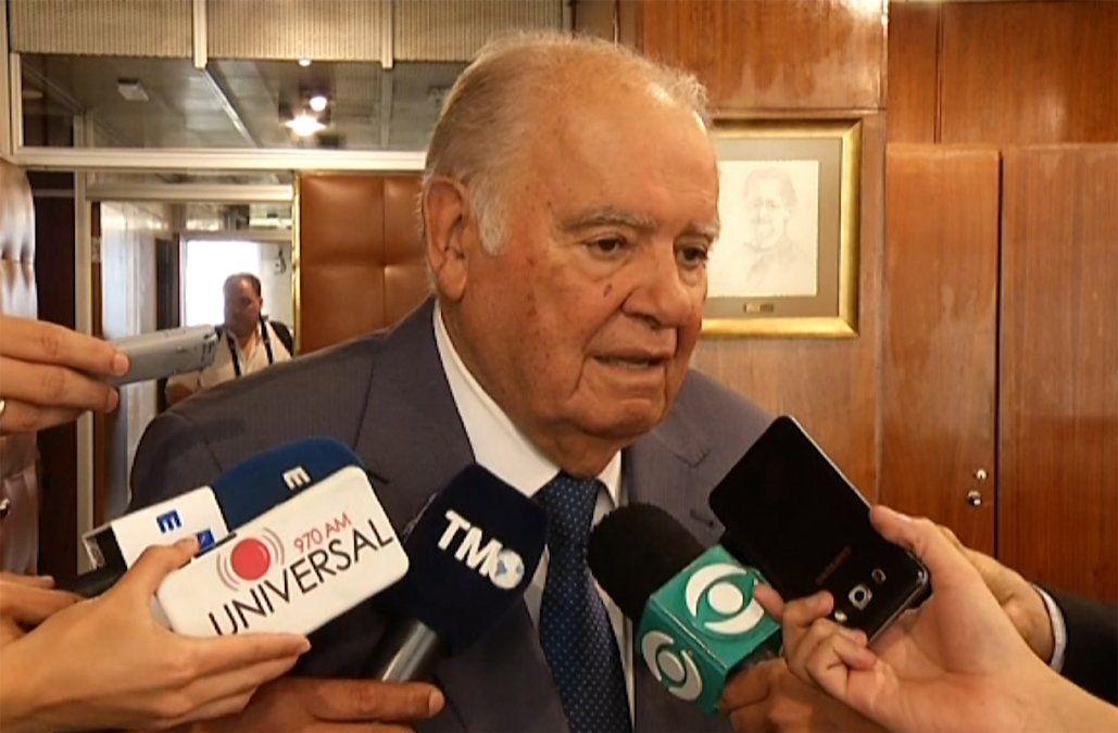 Gobierno busca que Enrique Iglesias sea el mediador uruguayo en la crisis de Venezuela, afirmó Mujica