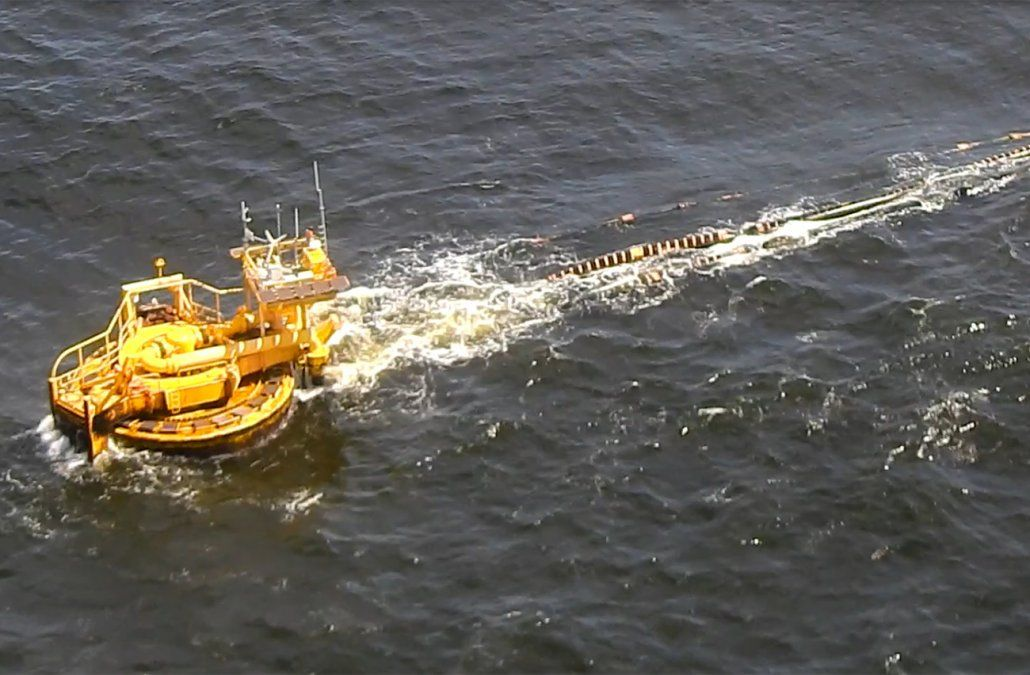 Un derrame de crudo en la boya petrolera ya fue controlado por Ancap